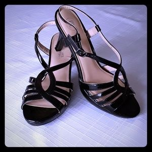 Mootsies Tootsies black patent leather sandals